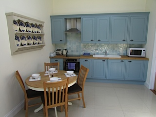 suffolk cottage 2 kitchen